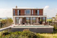 Disaster-Proof-Homes-Aamodt-Plumb-Hamptons-Beach-House-1020x610.jpg
